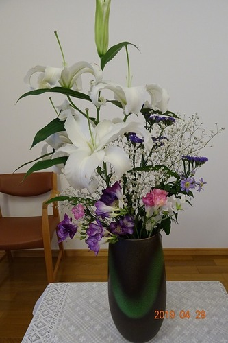 召天者記念礼拝 講壇の花
