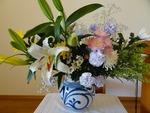 29日(祝) 昇天者合同記念会の花(講壇)