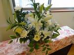 白い花かご