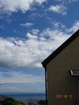 8月の空と海 教会の玄関から