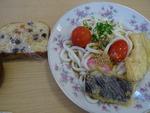 昼食交わり会 天ぷらうどんとパウンドケーキ