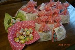 教会の近所に配るお菓子